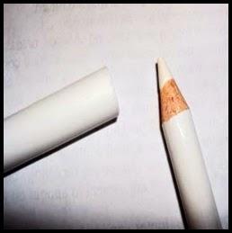 göz kalemi beyaz makyaj