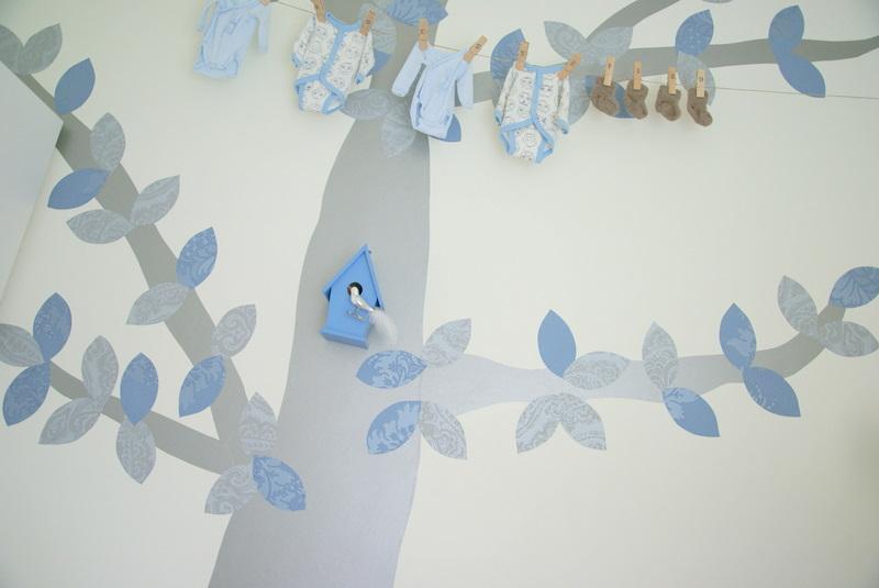 Pintar un rbol en la pared y a adirle hojas de papel - Papel para la pared ...
