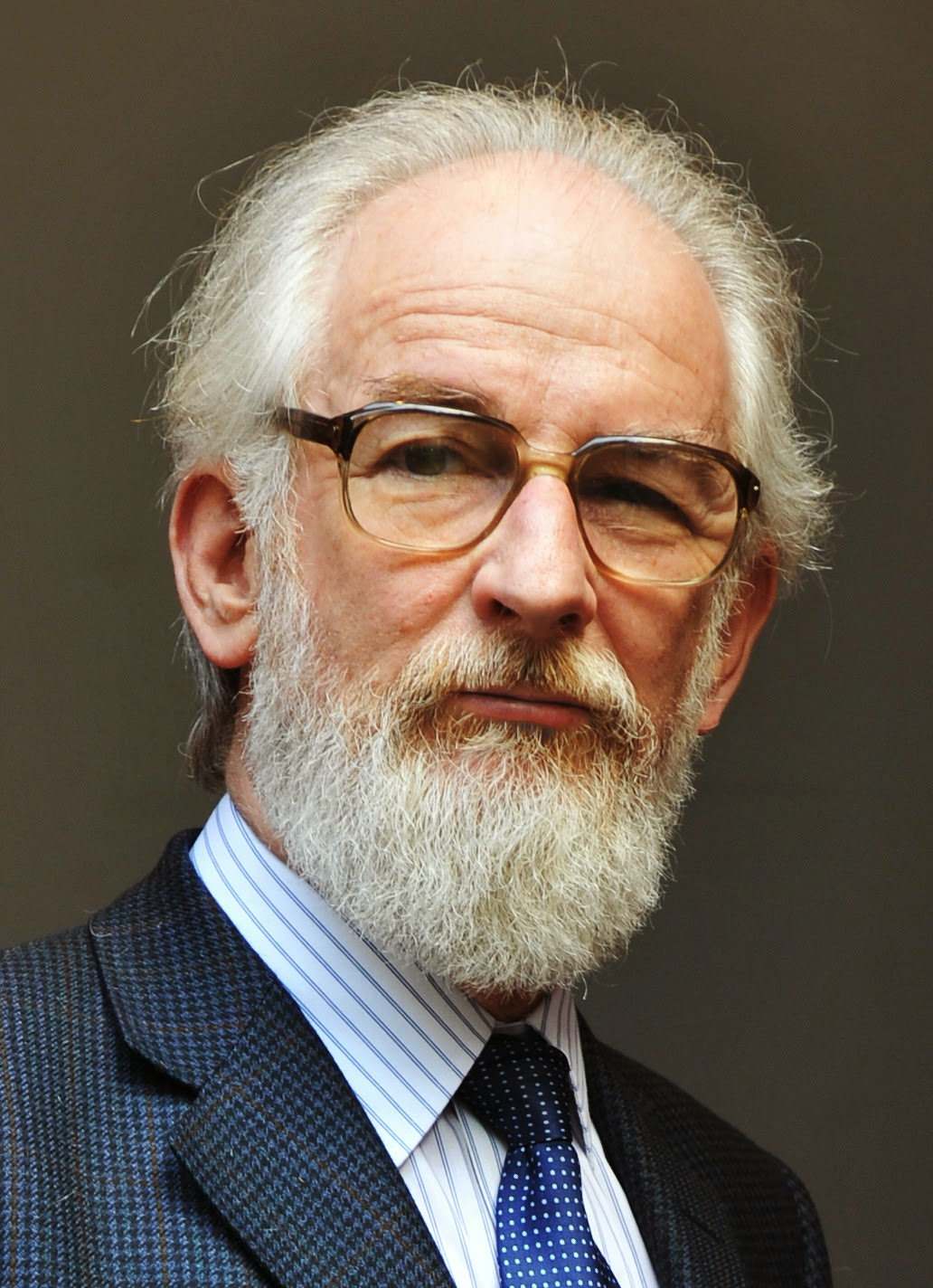 david crystal why a global language In this video professor david crystal talks about how english has become the dominant global language.