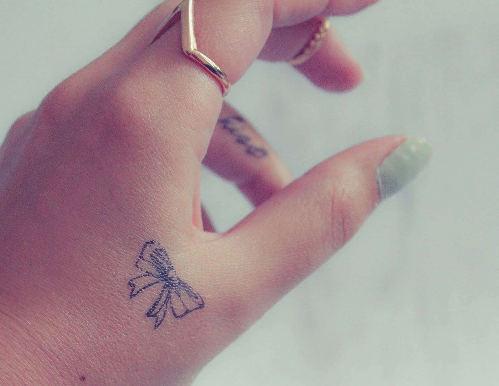 Hand tattoos for girls pictures