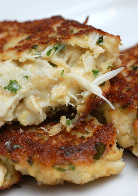 What Side Dishes Go Best With Crab Cakes