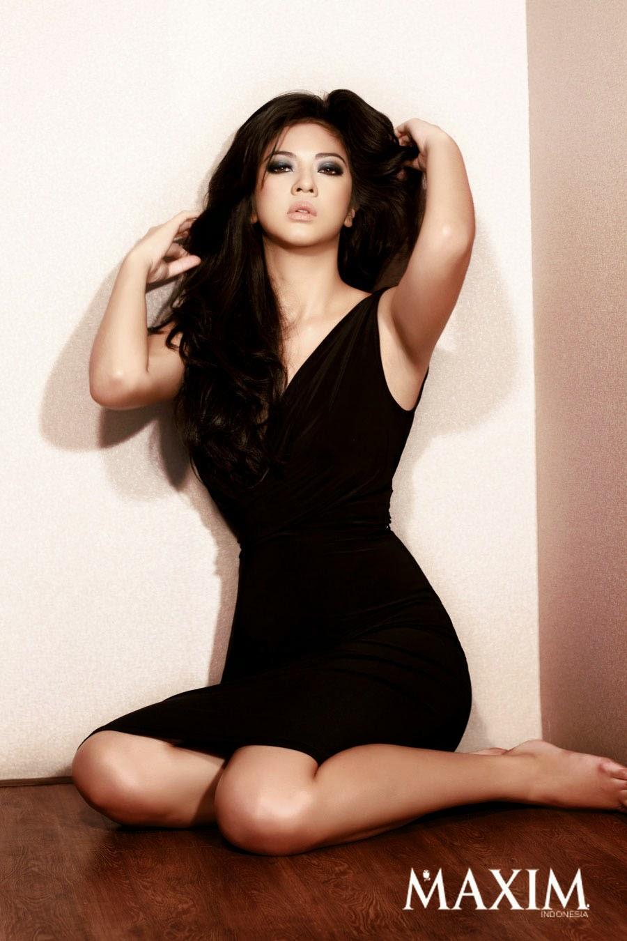 Foto Cory Sandioriva di Majalah Maxim Indonesia