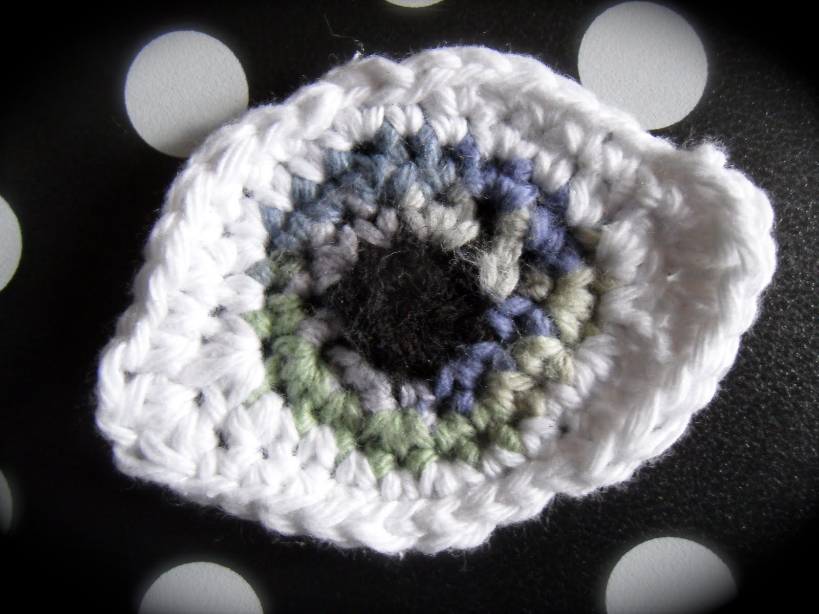 Crochet Eyes : iolithies journey: Patterns - evil eye or eyeball motif