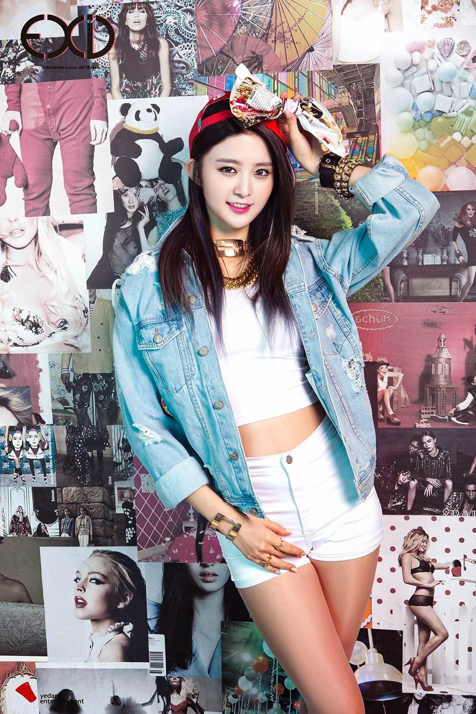 Junghwa Ah Yeah Concept