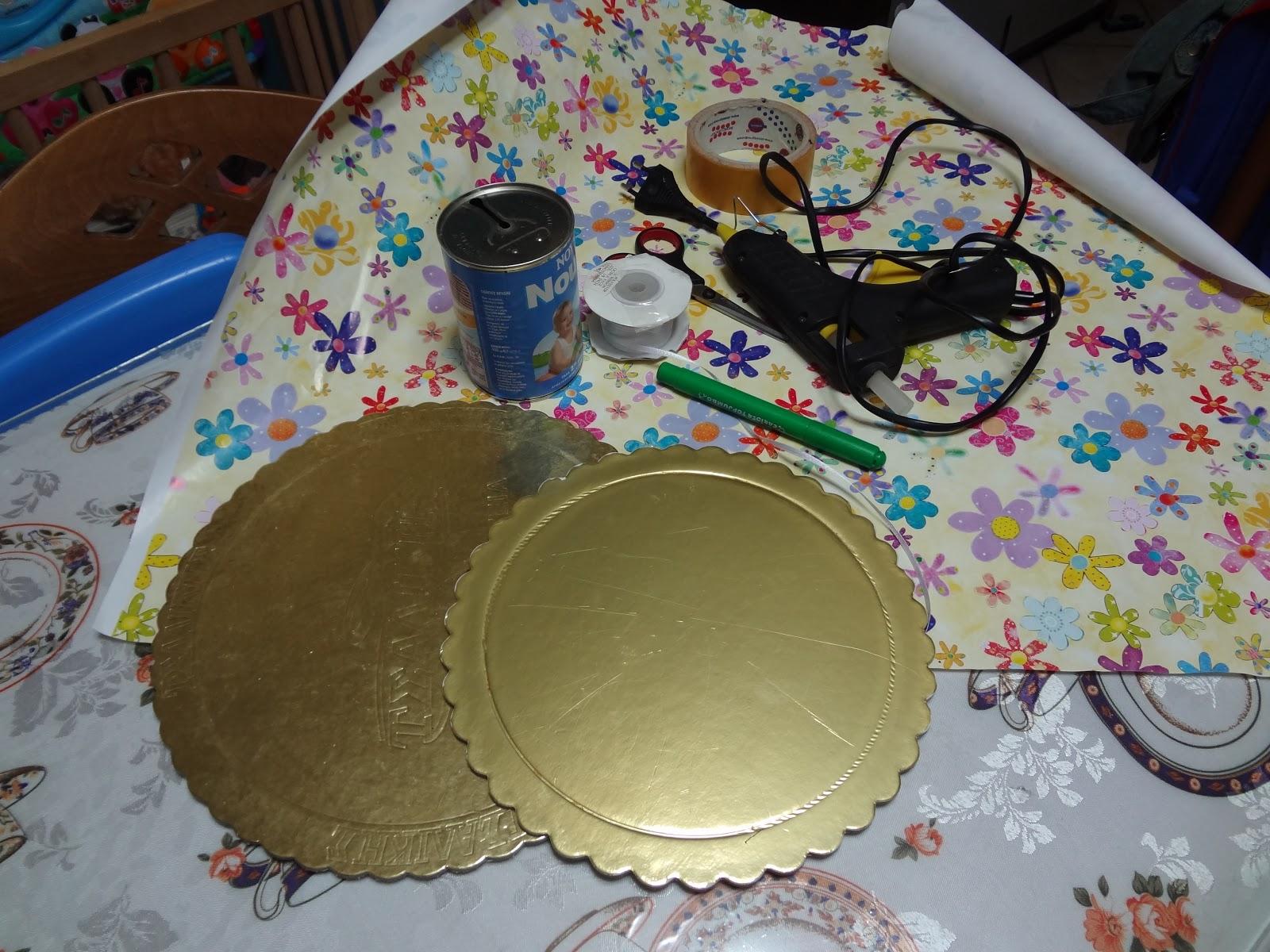 Demi s Art Attack  Διόροφη πιατέλα για cupcakes Βήμα βήμα (Cupcake ... e46fb2f0a88