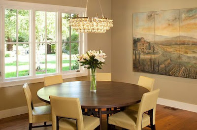 Salle à manger complète avec table ronde