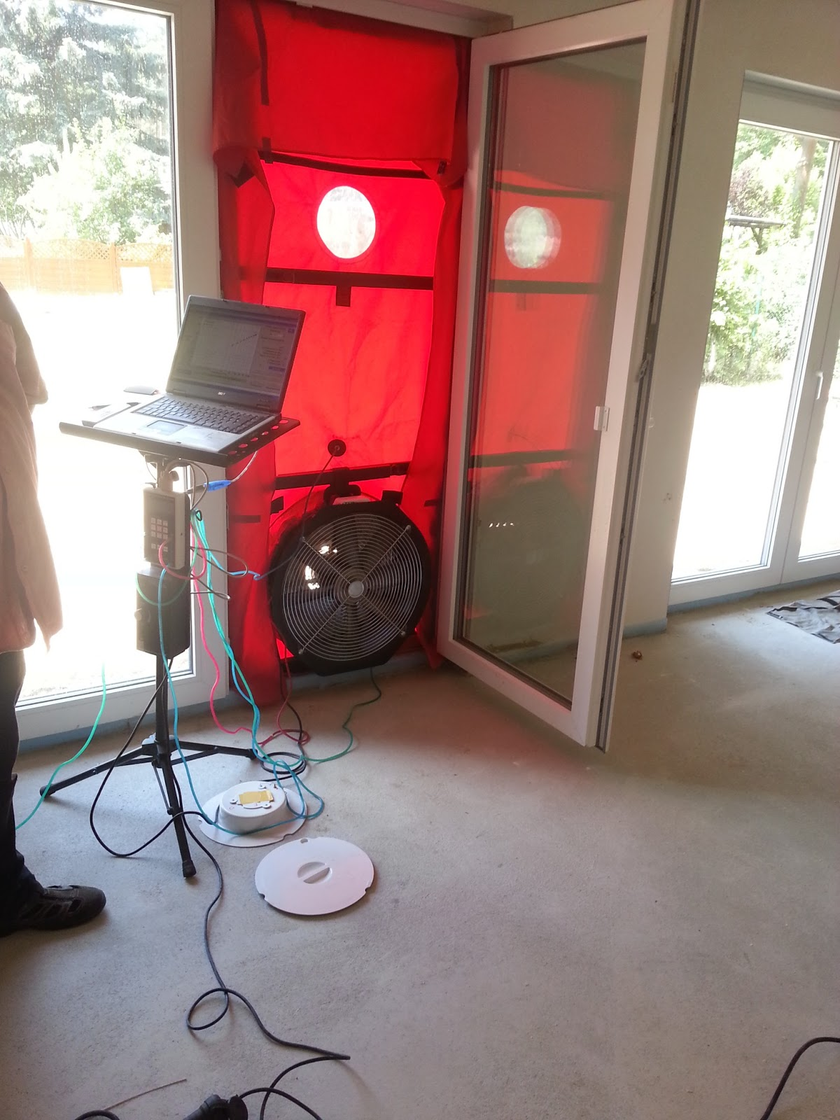 aileen und patrick bauen blower door test. Black Bedroom Furniture Sets. Home Design Ideas
