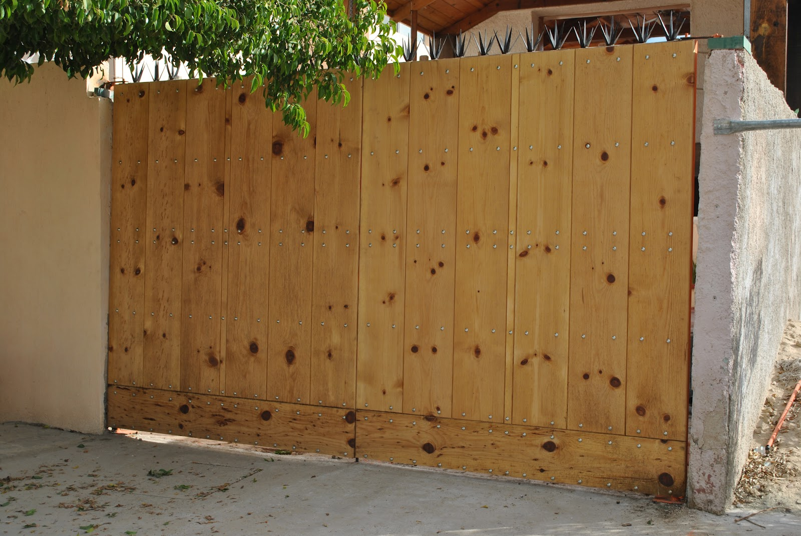 Mantenimientodomestico industrial mantenimiento domestico for Saguan de madera