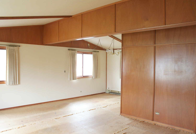 Living Room/Breakfast Nook