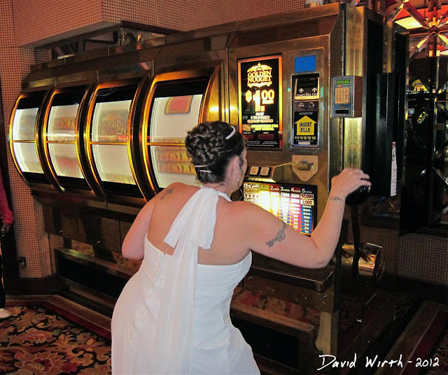 free spin of the big wheel, slot machine, las vegas hotel, golden nugget