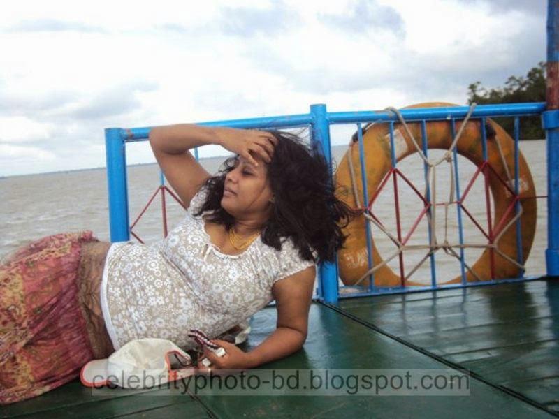 Bangladeshi+TV+Actress+Elora+Gohor+Hot+Photos016
