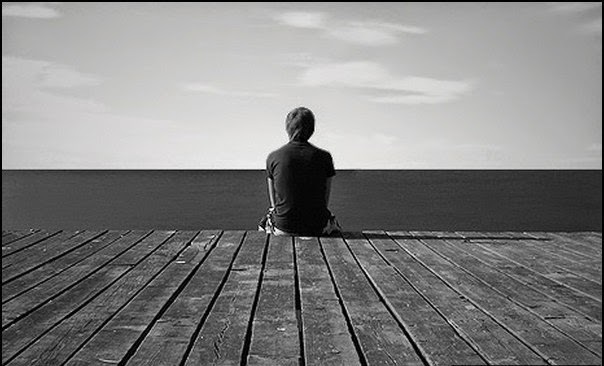 ảnh boy buồn cô đơn khi thất tình