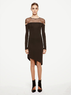 omuzları transparan siyah elbise