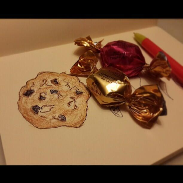 [Picture] 130512 Taeyeon Instagram Update: '#chocolate cookie #GODIVA #탱화백'