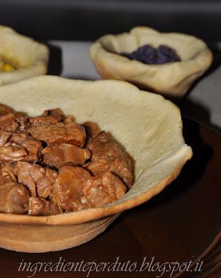 chili di di carne in ciotola di pane... per  la sfida di mtchallenge.