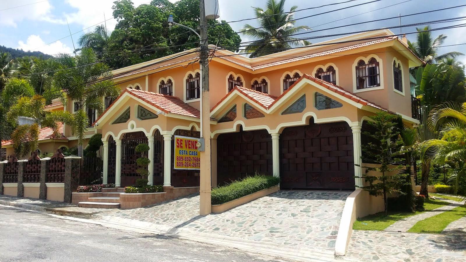 En Sanchez, Samana, se vende esta residencia, consultenos