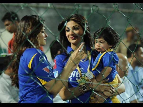 Shilpa 's Son Viaan Stills