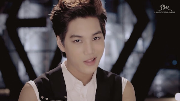EXO Kai Growl