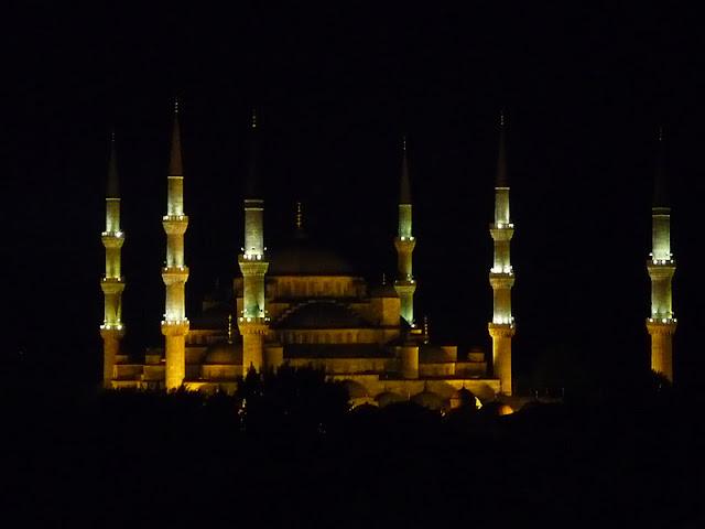 Santa Sofía de noche