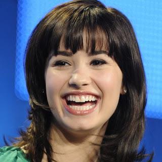 demi lovato smiling