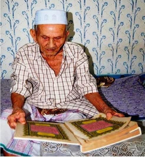 Mampu Membaca Al-Quran Walaupun Berusia Lebih 100 Tahun
