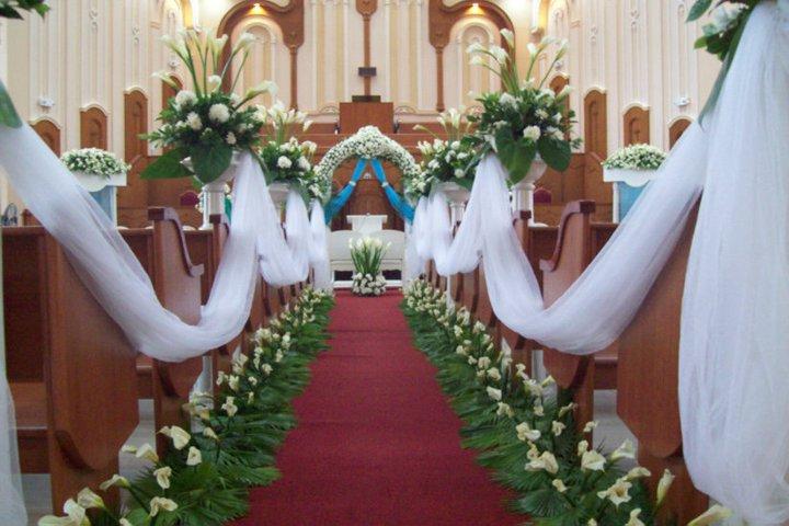 Certified bridechilla church floral arrangements certified bridechilla junglespirit Choice Image