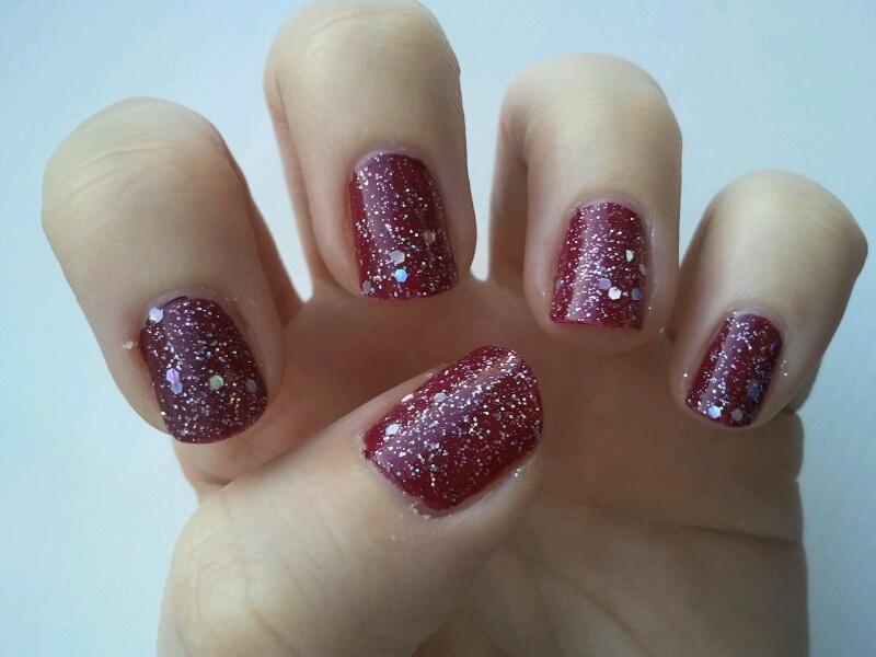 Amelia\'s Allsorts: Festive Nails No.1 - Glitter Plum