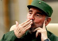 Si dejas un comentario Fidel te regala un beso