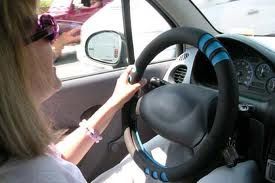 larangan menggunakan kacamata untuk gaya saat mengemudi, bahaya