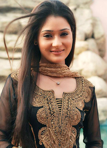 Sara Khan HD Wallpapers Free Download