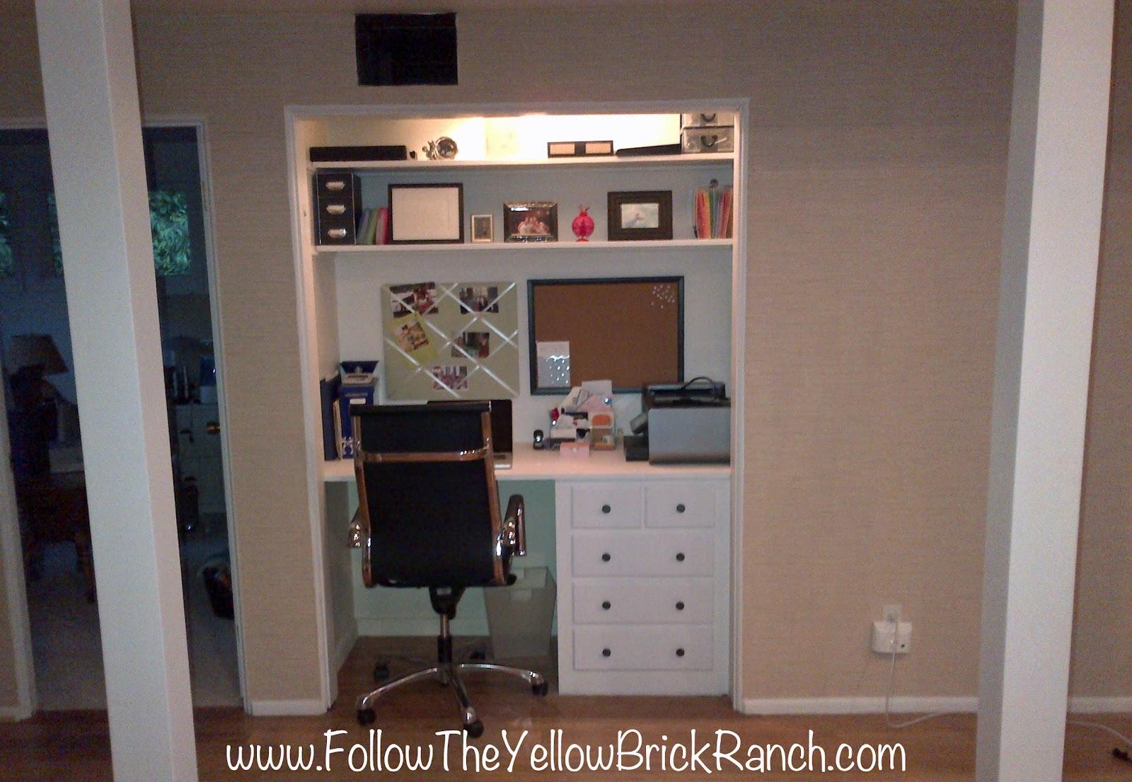 http://1.bp.blogspot.com/-E2i3ShMx18I/T86JP0otmoI/AAAAAAAAAyk/9Lky8Hricfs/s1600/FTYBR_OfficeAFTER.jpg