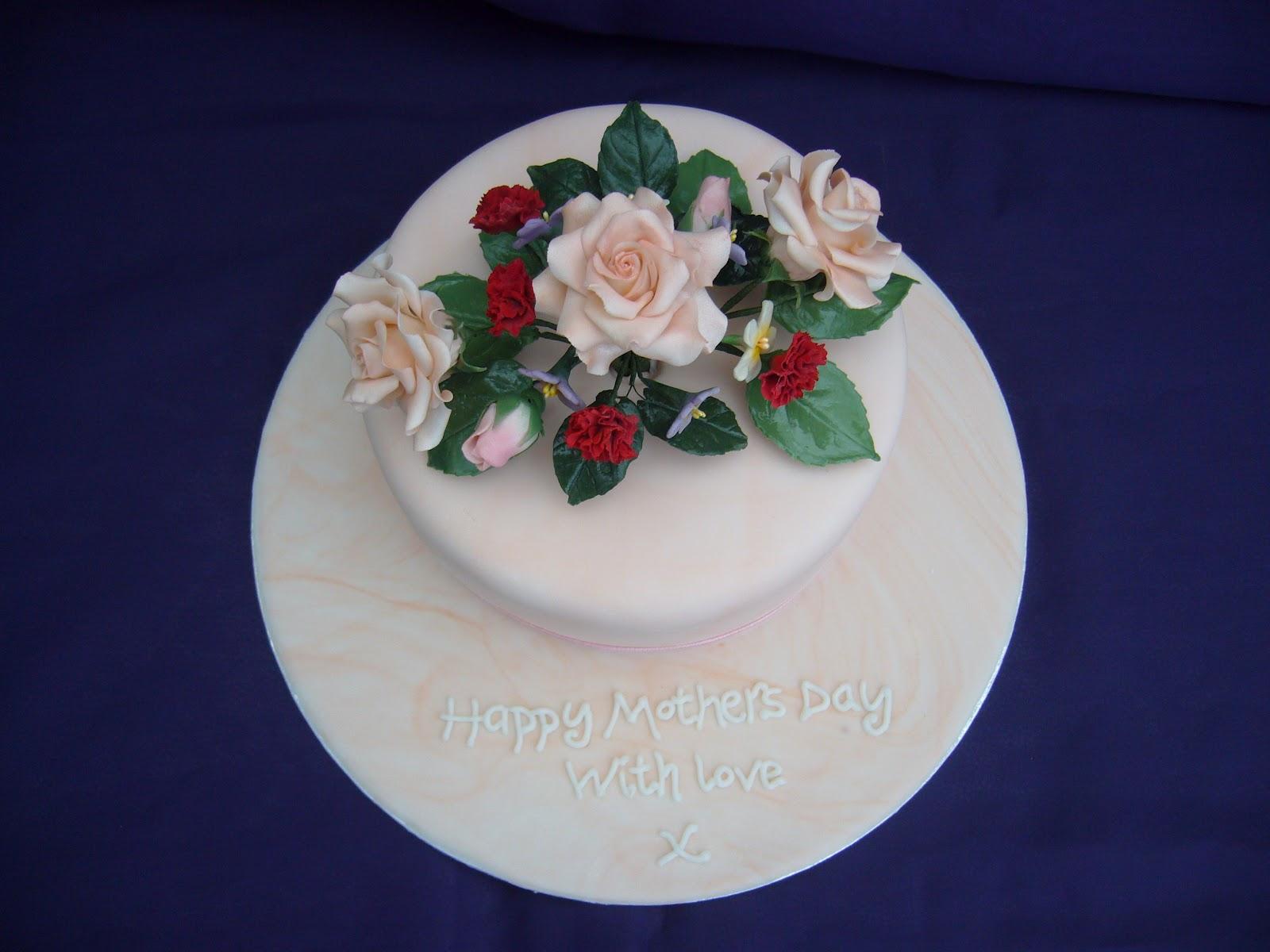 Cake Decorating Work Environment : Linda Aitken Cakes