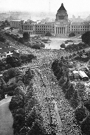 1960年6月の「安保闘争」 (国会前デモ)