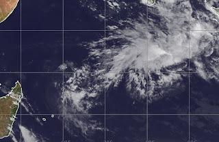 Aktuelle Sturmsituation Tropen weltweit 9. November 2012, Michel, Mauritius, Madagaskar, Atlantische Hurrikansaison, Taifunsaison 2012, November, 2012, aktuell, Zyklonsaison Südwest-Indik 2012 2013, Satellitenbild Satellitenbilder, Hurrikansaison 2012,