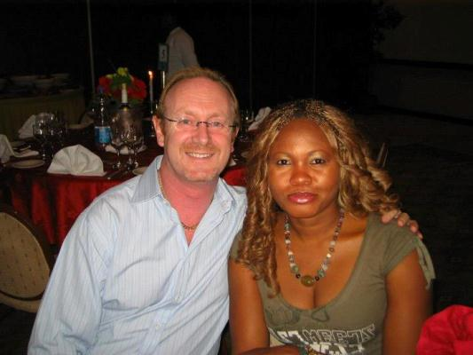 Photos Of Goldie And Her American Husband: Andrew Harvey Goldie+and+hubby+lindaikejiblog.1