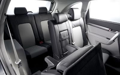 Imagine cu interiorul Chevrolet Captiva