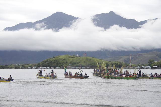 Aktivitas Pendulang Emas Berpontensi Cemari Danau Sentani