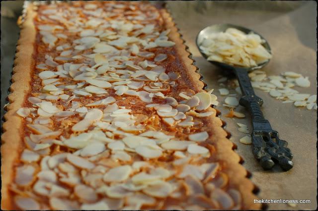 The Kitchen Lioness: FFwD: Caramel-Almond Custard Tart