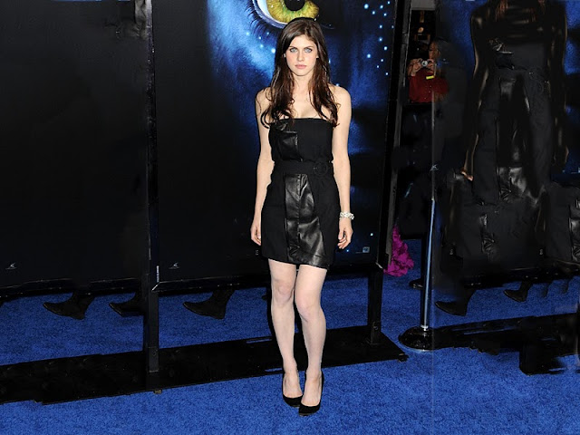 Alexandra Daddario - Wallpapers Gallery