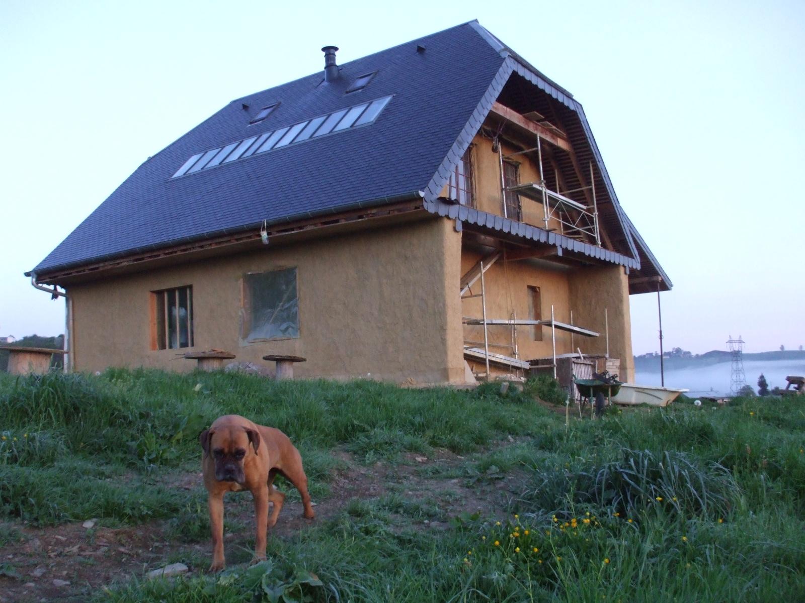 In search of the kiwi la maison en paille the straw house for Maisons en paille