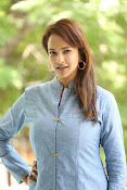 Lakshmi manchu new photo shoot-thumbnail-8