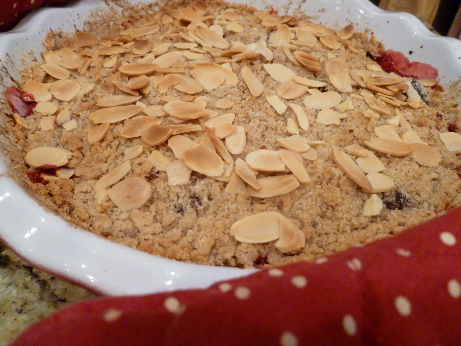 The Fanciful Fig: Peach and Blackberry Crumble