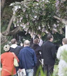 بنك إسترالي يزرع الدولارات على الأشجار %D8%AF%D9%88%D9%84%D8%A7%D8%B1