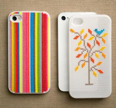 Capa para celular feita de bordado