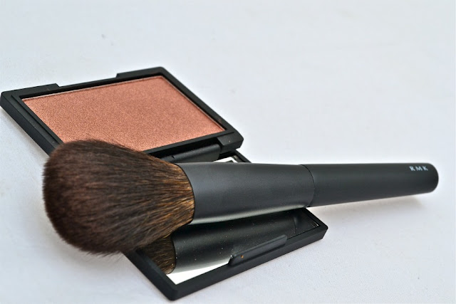 Honour_Blush_by_Sleek_Make_Up_ RMK_Brush_ObeBlog_01