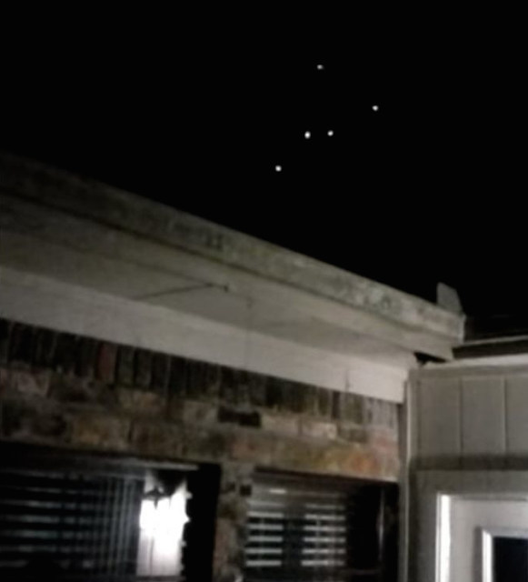 UFO Fleet Caught Hovering Over Texas 2015, UFO Sightings