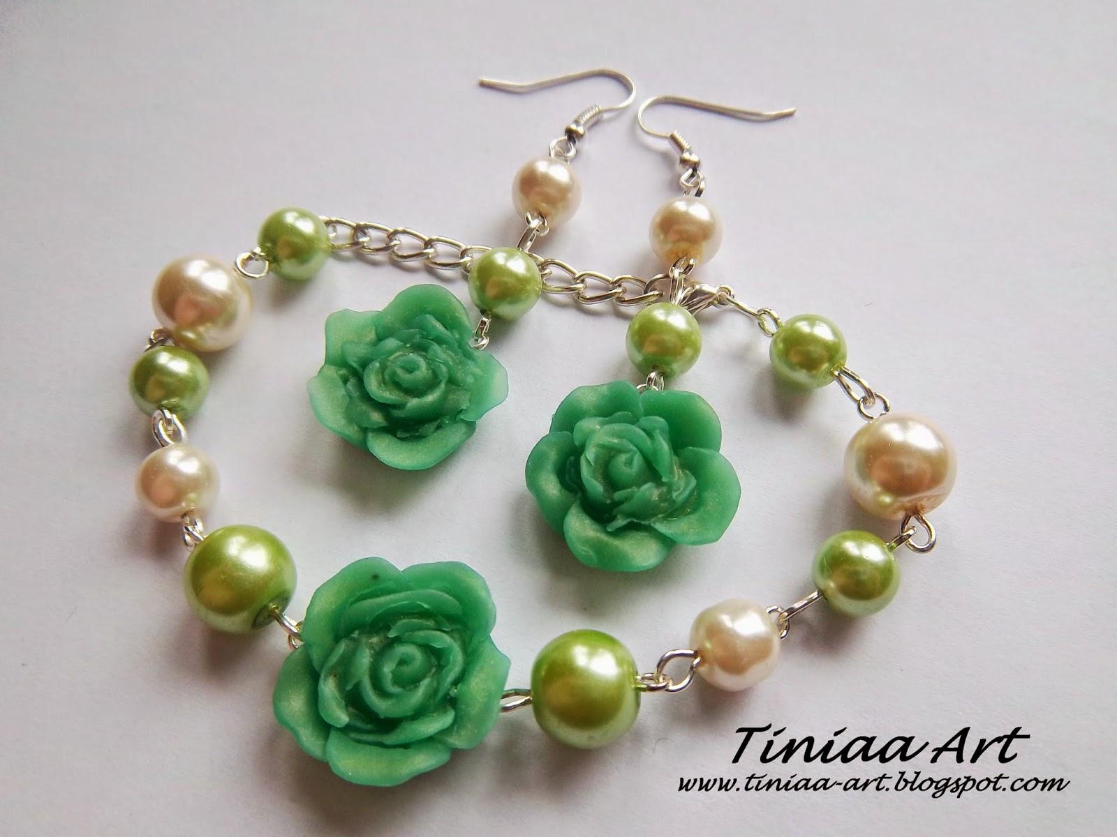 Zielono-kremowy komplet z różyczkami