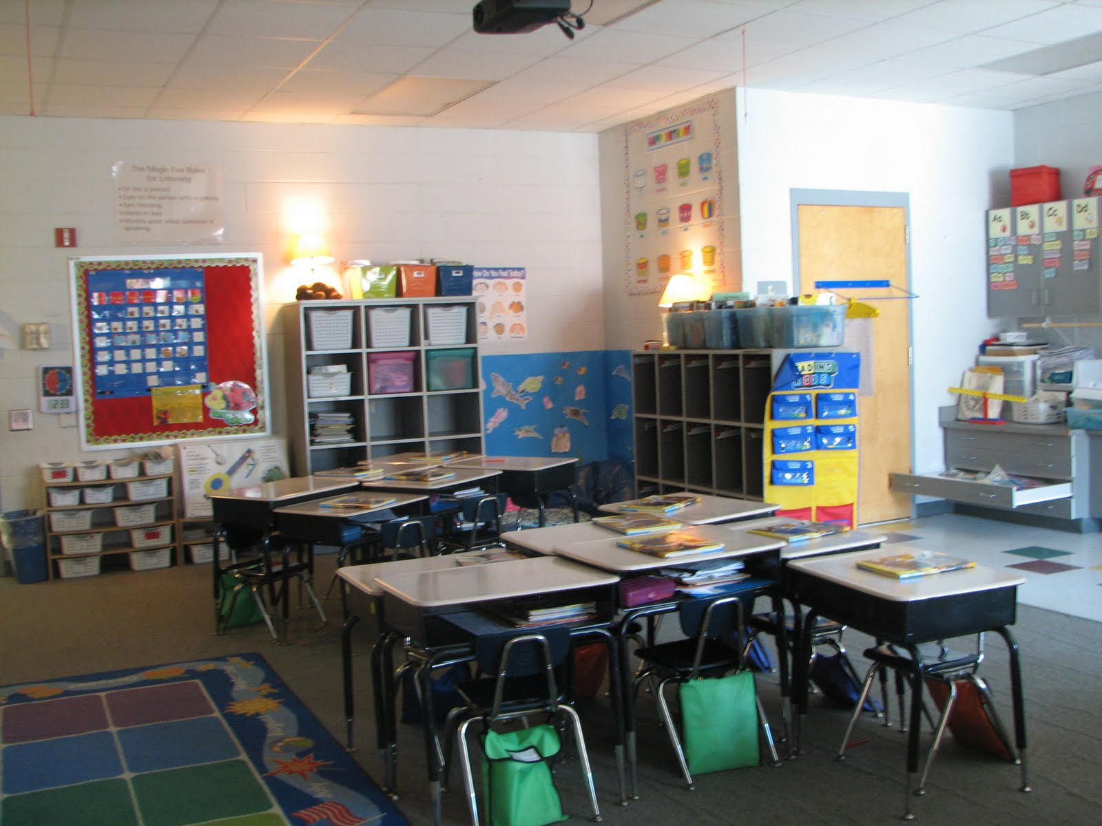 First Grade Escapades: Desks and tables classroom