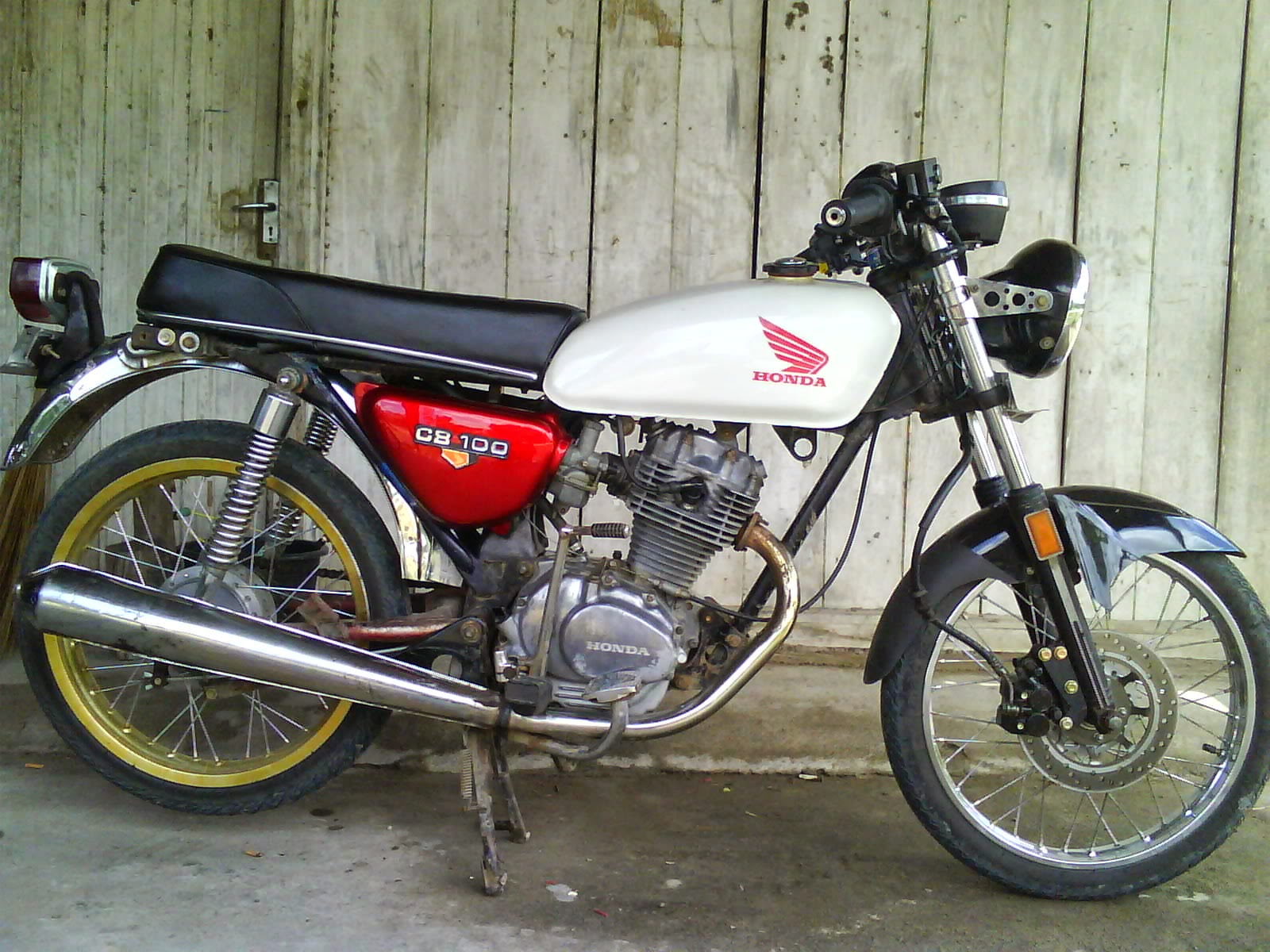 modifikasi-honda-cb-100-putih
