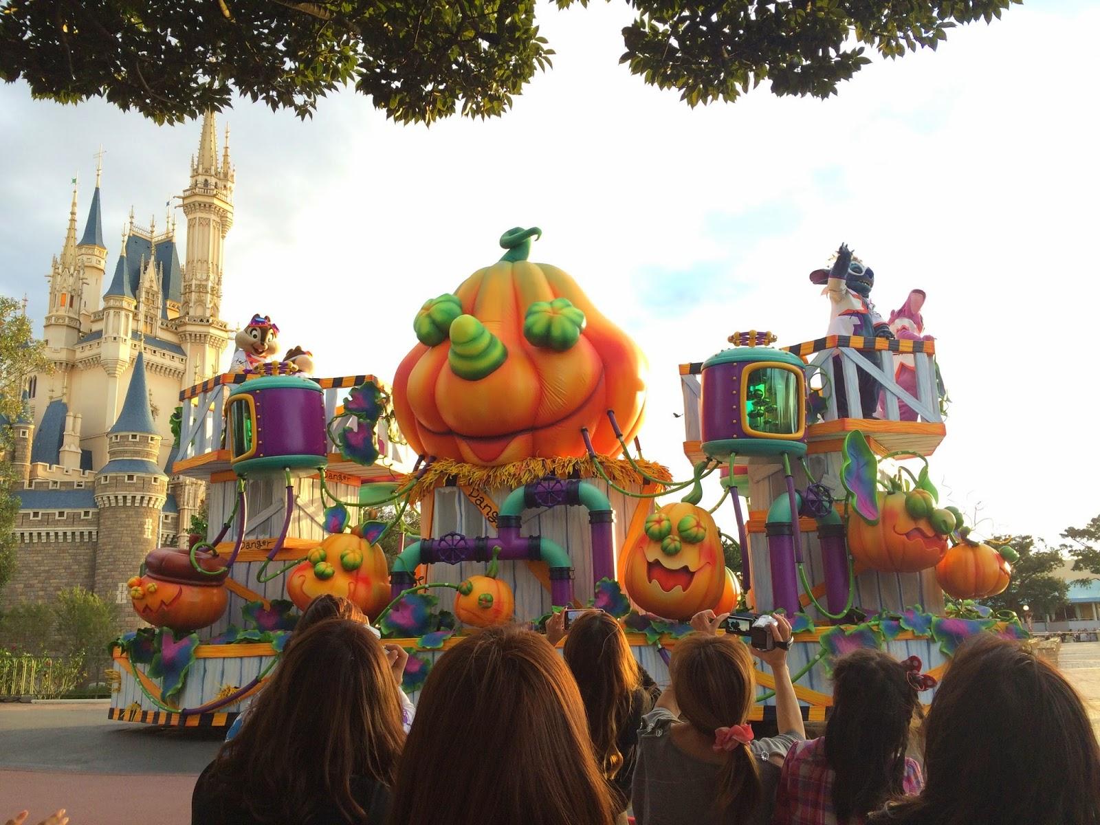 Tokyo Disneyland Halloween 2014 special